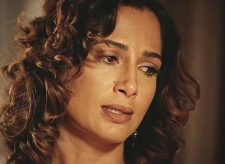 Tereza cai na real e admite que Miguel está apaixonado pela irmã