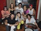 Participante do 'The voice' e Arthur Aguiar dão canja em show no Rio