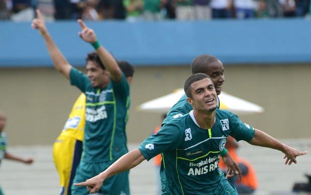 Egídio gol Goiás (Foto: André Costa / Ag. Estado)