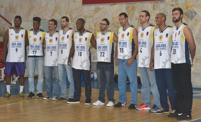 Apresentação São José Basquete (Foto: Felipe Kyoshy/ GloboEsporte.com)