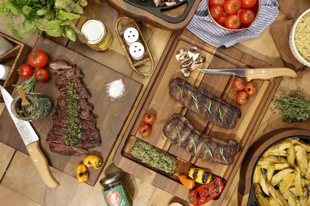 Vamos Receber: ideias para decorar a mesa para um churrasco (Foto: Divulgação)