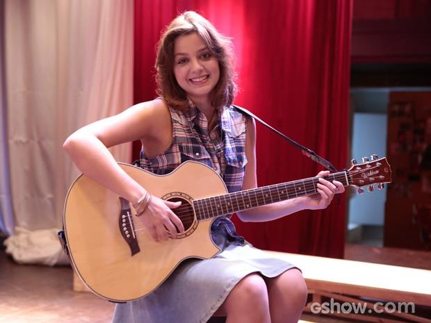 Maria Luiza vai viver sonhadora cantora do interior (Foto: Felipe Monteiro / TV Globo)
