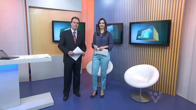 Vanessa Machado e Tony Lamers no Jornal da Tribuna 1ª edição (Foto: Reprodução/TV Tribuna)