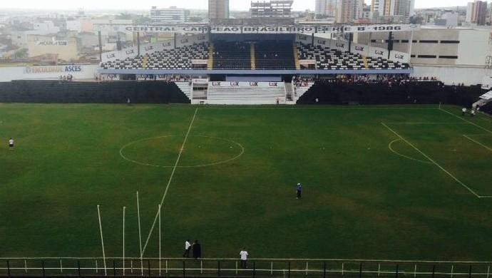 Estádio Lacerdão, Caruaru, Centra x Campinense (Foto: André Raguine / GloboEsporte.com / Caruaru)