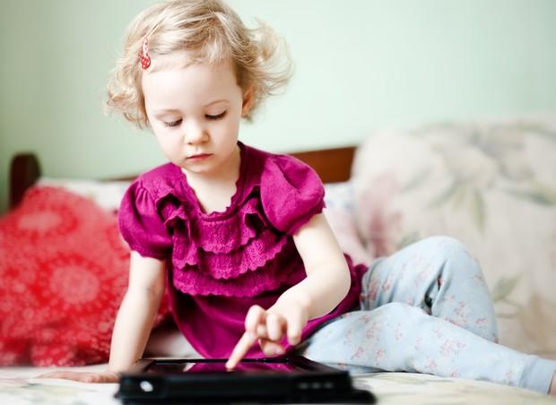 crianca_tablet (Foto: Shutterstock)