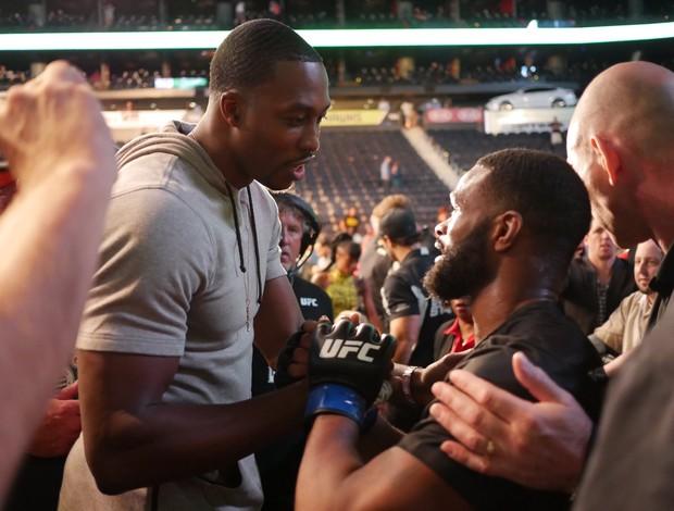 BLOG: Novo ídolo em Atlanta, Dwight Howard parabeniza Tyron Woodley pelo título
