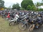 PRF realiza leilão de mais de 800 veículos em Ji-Paraná, RO