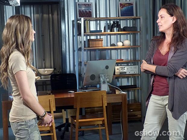 Tereza ameaça contar a verdade para LC, mas Lili enfrenta a vilã (Foto: Além do Horizonte/TV Globo)