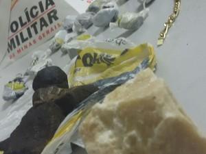 Material apreendido com suspeito de cometer tentativa de homicídio contra adolescente (Foto: Polícia Militar/Divulgação)