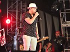 Wesley Safadão reúne milhares de fãs em show no Sambódromo de Manaus