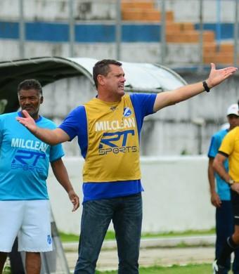 Ito Roque técnico Taubaté (Foto: Bruno Castilho/EC Taubaté)