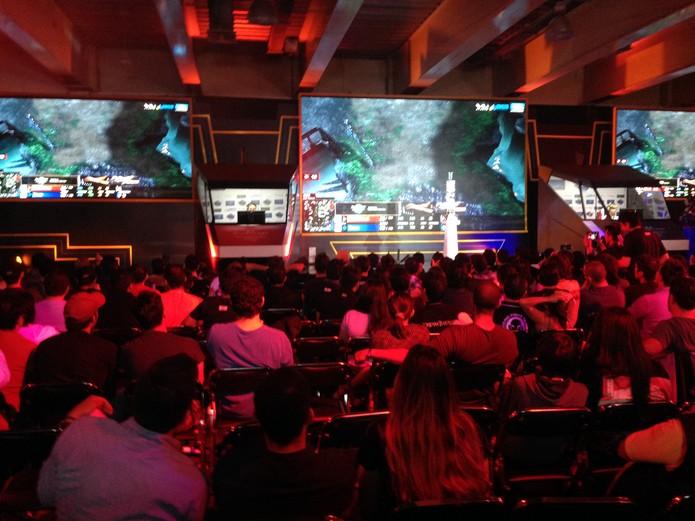 Público acompanha a Copa Intercontinental de StarCraft 2 (Foto: Reprodução/Felipe Vinha)