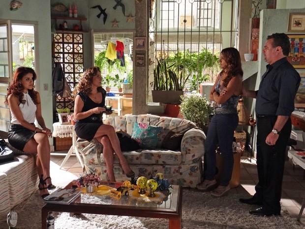 Lucimar avisa que não vai deixar Lívia em paz (Foto: Salve Jorge/TV Globo)