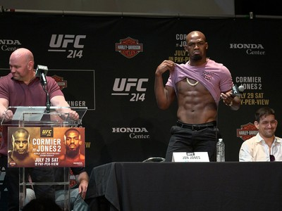 Jon Jones coletiva UFC 214 (Foto: Evelyn Rodrigues)