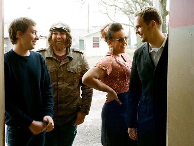 Brittany Howard, Zac Cockrell, Heath Fogg e Steve Johnson formam o Alabama Shakes (Foto: Divulgação)