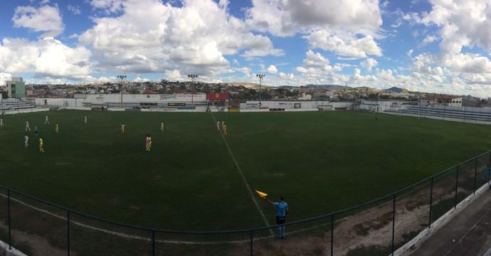 Caruaru City e Internacional se enfrentaram no sábado (Foto: Lafaete Vaz / GloboEsporte.com)