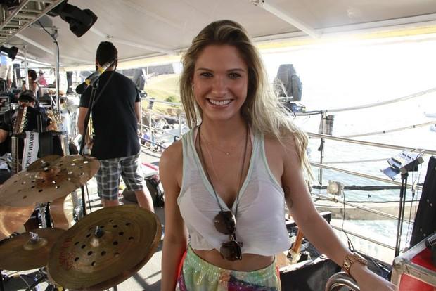 Namorada de Gusttavo Lima (Foto: Dilson Silva e André Muzell/ Ag.News)