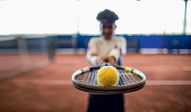 Um dos 47 jovens que treinam no Instituto Tênis: o projeto é ter um brasileiro no topo do ranking até 2031 (Foto: Guilherme Zauith)