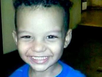 Keven Sobral, de dois anos, foi encontrado morto dentro de sofá (Foto: Reprodução/TV Globo)