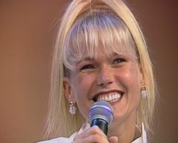 A apresentadora era só sorrisos quando anunciou a gravidez (Foto: Domingão do Faustão / TV Globo)