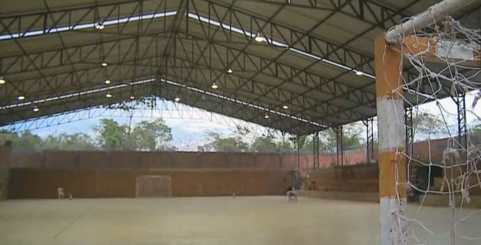 Professor constrói CT com o próprio dinheiro e monta fábrica de campeões (Foto: Reprodução/TV Globo)