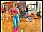 Andréa de Andrade malha com calça brilhosa: 'Barbie sexy'