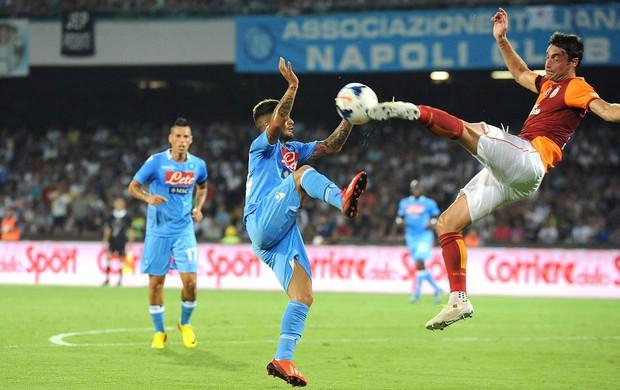 Riera e Lorenzo Napoli e Galatasaray (Foto: Agência EFE)