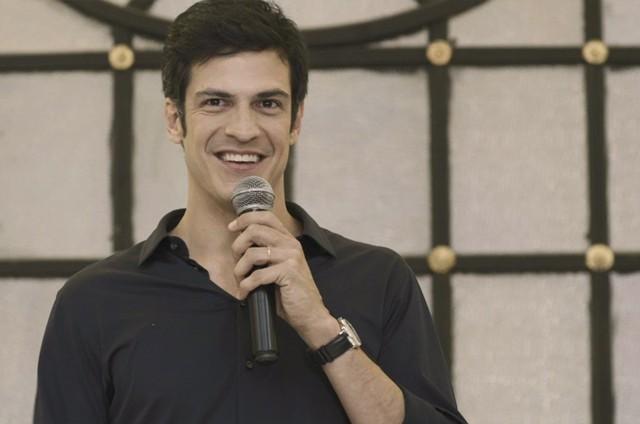 Mateus Solano é Eric em 'Pega pega' (Foto: Reprodução)