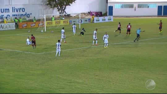 Castelucci compara reservas e titulares do Vitória e elogia Jhemerson
