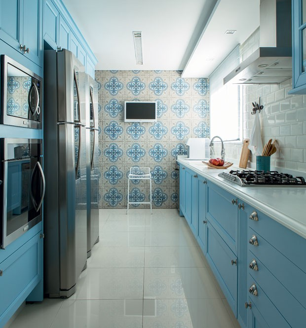 cozinha-arquiteta-paula-gambier-azul (Foto: Edu Castello/Editora Globo)