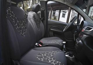 Se o chinês opta por detalhe escuro no carro, vai querer detalhes diferenciados (Foto: Bufalos/Chery/Divulgação)