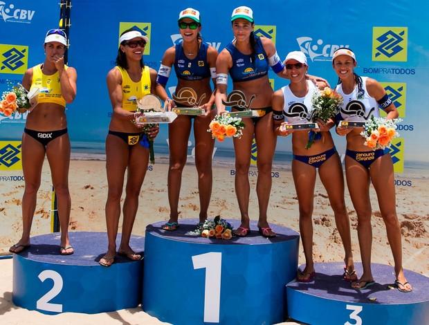 podio feminino volei de praia (Foto: Daniel Fonseca/CBV)