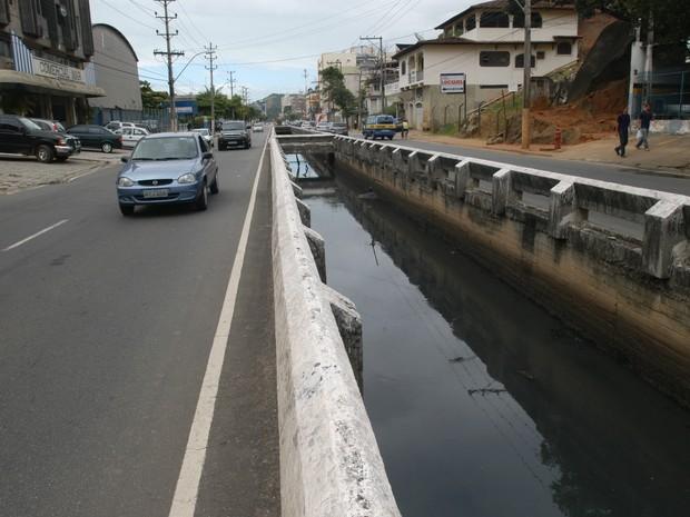 Avenida Leitão da Silva, em Vitória (Foto: Ricardo Medeiros/ A Gazeta)