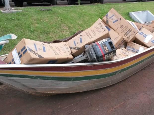 O Lago de Itaipu é uma das principais rotas usadas pelos contrabandistas de cigarros para ingressar com a mercadoria ilegal no país (Foto: PF / Divulgação)