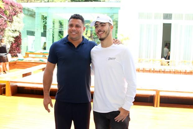 Ronaldo e o filho, Ronald (Foto: Thiago Duran/AgNews)