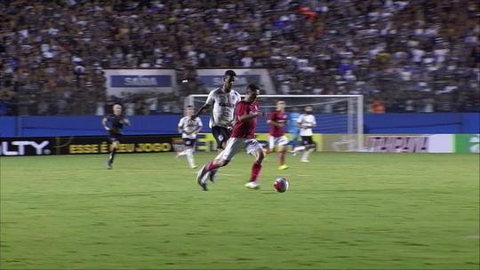 Corinthians sobra no início, vence o Inter e avança às quartas da Copinha