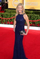 Anna Gunn, de 'Breaking Bad', usa clutch personalizada