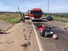 Motociclista morre após bater em caminhão de areia no DF