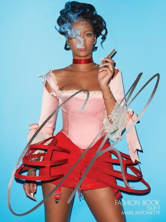 """Rihanna foi retratada como uma """"Maria Antonieta dos tempos modernos"""" (Foto: Divulgação)"""