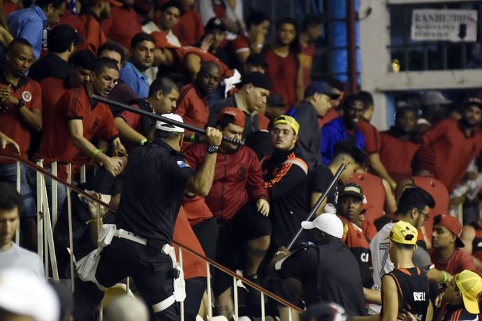 Confusão Vasco x Flamengo torcida (Foto: André Durão)