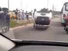 Carro em teste da Fiat capota em Paulista, no Grande Recife