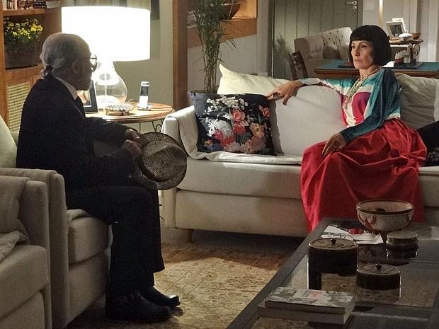 Melissa e Virgílio planejam jogar toda culpa do sequestro em Angélica (Foto: Amor Eterno Amor/TV Globo)