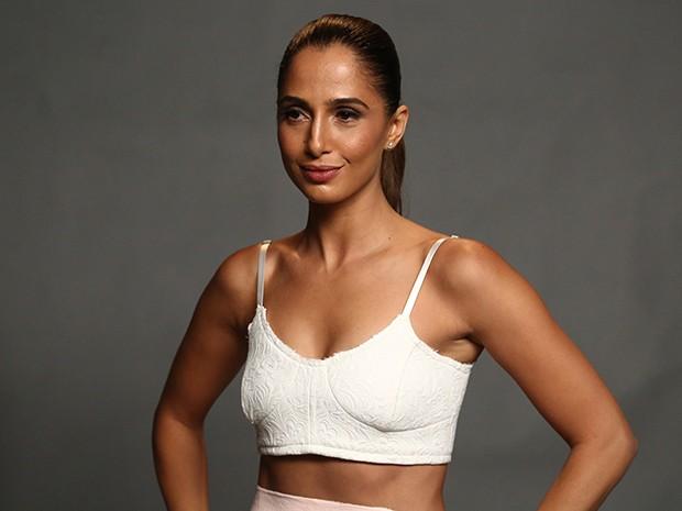 Camila Pitanga exibiu ótima forma com a barriga de fora (Foto: Raphael Dias/Gshow)