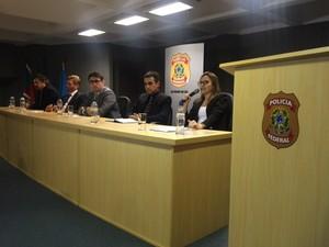 Delegada Aletea Vega Marona (primeira à direita) estima prejuízo ao meio ambiente de R$ 1,4 bilhão (Foto: Fábio Almeida/RBS TV)