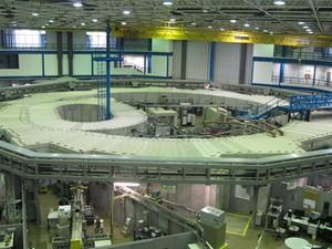 Visão geral do acelerador de partículas LNLS (Foto: Tadeu Meniconi/G1)