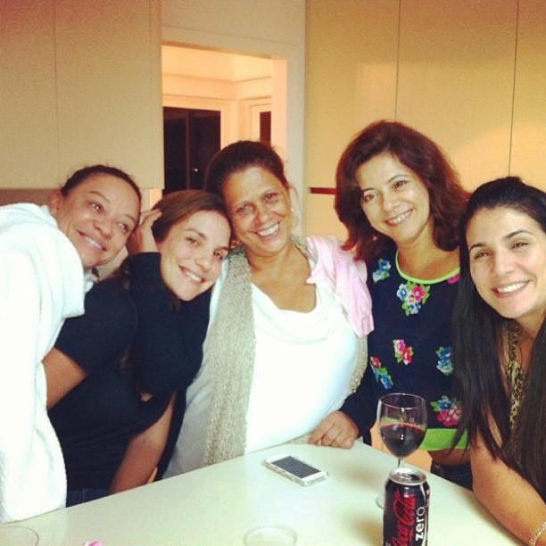 Ivete Sangalo faz farra com amigas (Foto: Instagram)