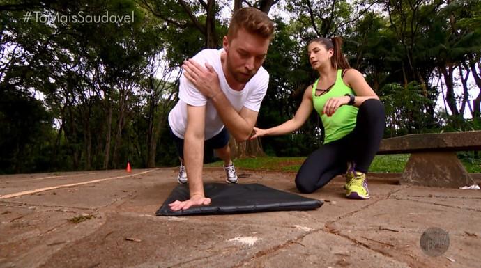 Rafael Ristow pratica exercícios funcionais no Parque do Taquaral, em Campinas (SP) (Foto: reprodução EPTV)