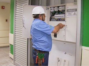 Intalação elétrica do HC Criança já está em período de teste (Foto: Antonio Luiz/EPTV)