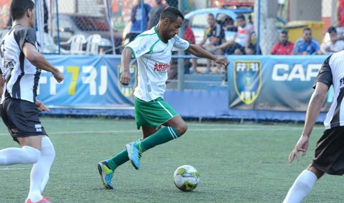 Maciel, cabofriense x americano, futebol 7 (Foto: Léo Borges / Na Jogada)