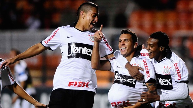 Ramon gol Corinthians (Foto: Marcos Ribolli / Globoesporte.com)